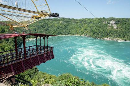 2-Day Niagara Falls Tour